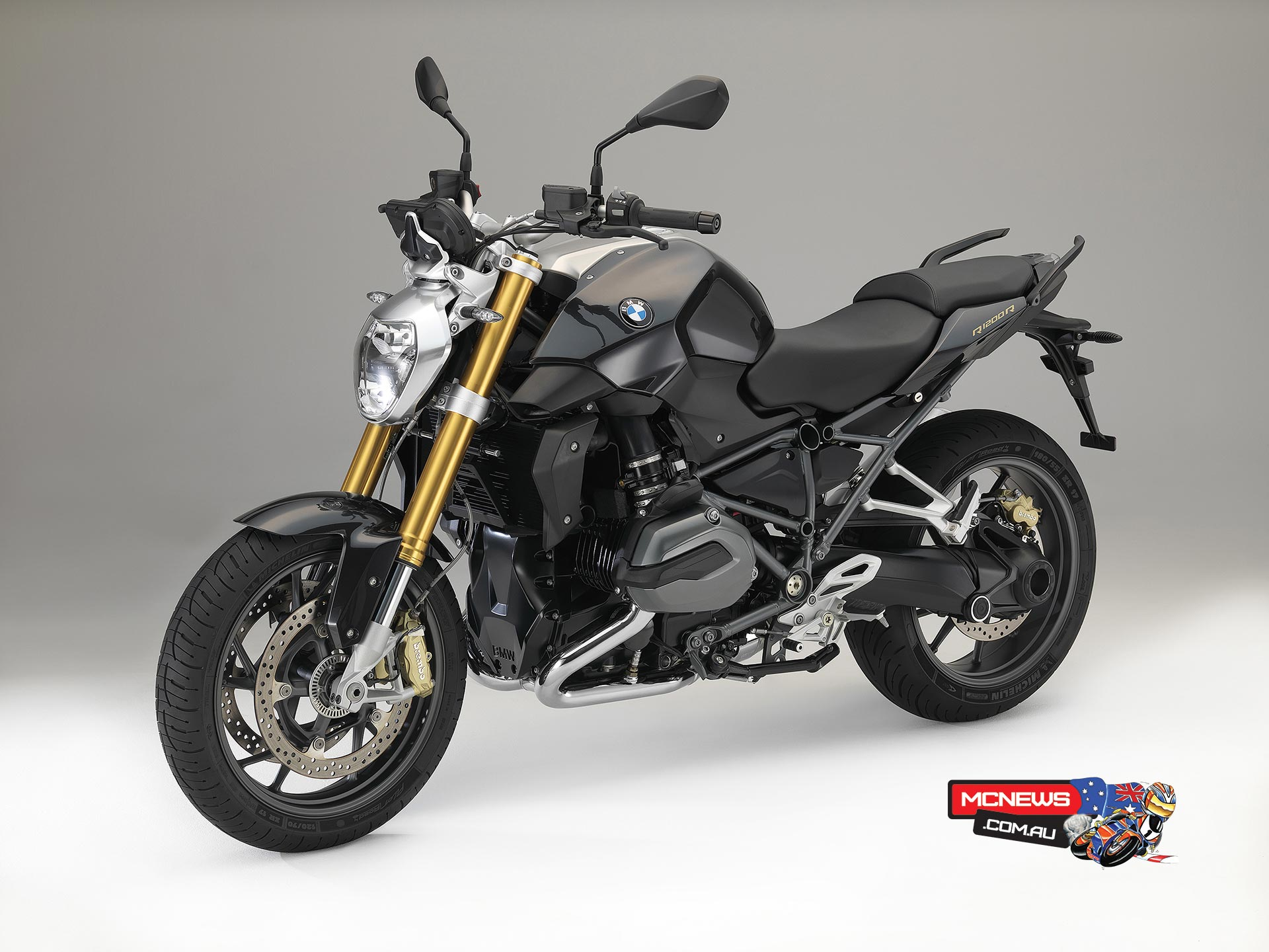bmw r 1200 r reinvented for 2015. Black Bedroom Furniture Sets. Home Design Ideas