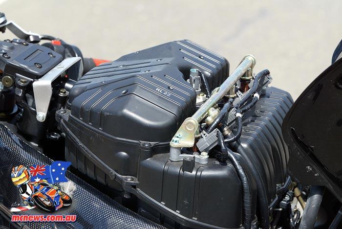 2005 Honda Superbike Airbox