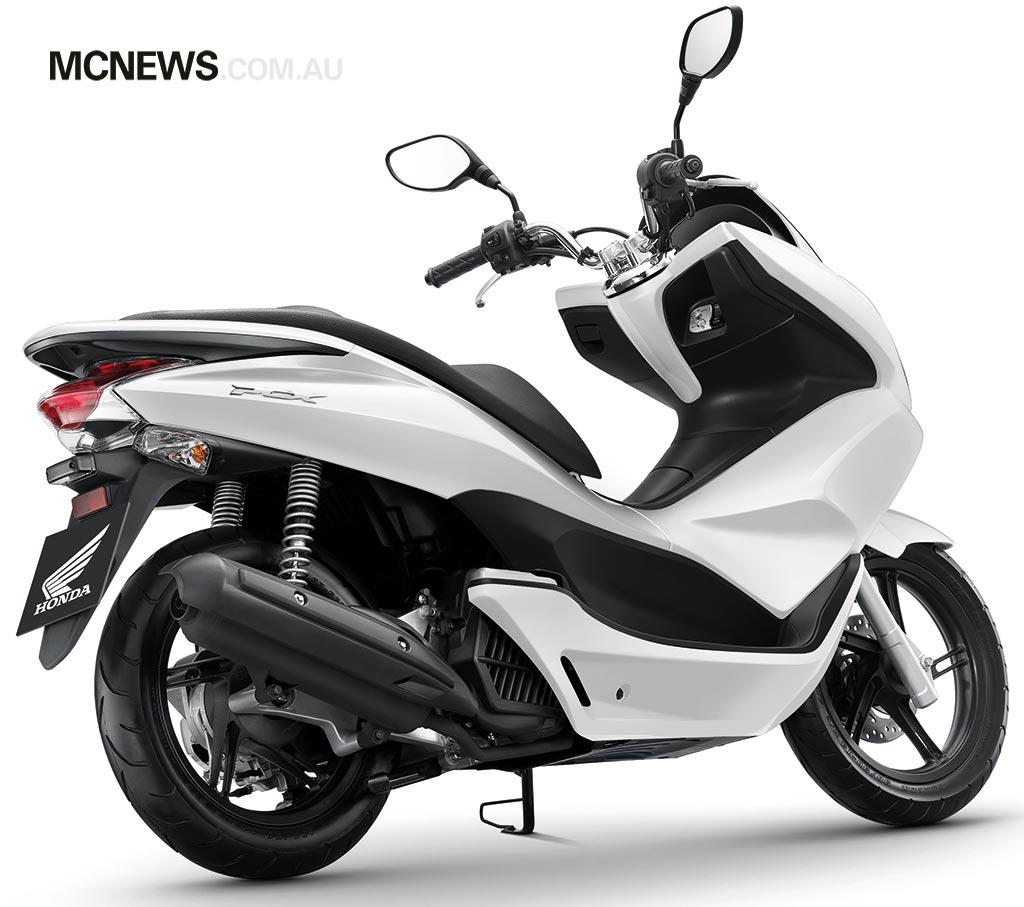 Honda_PCX125_RHS_1024