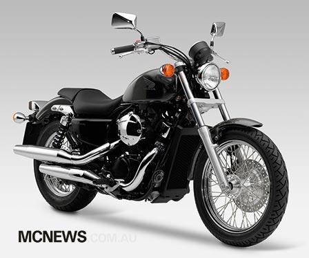 Honda_VT750S_RHF_448p