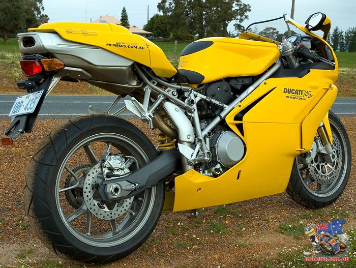 Ducati 749S Review 2004