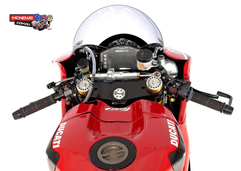 Ducati_WSBK_2014_Bike2