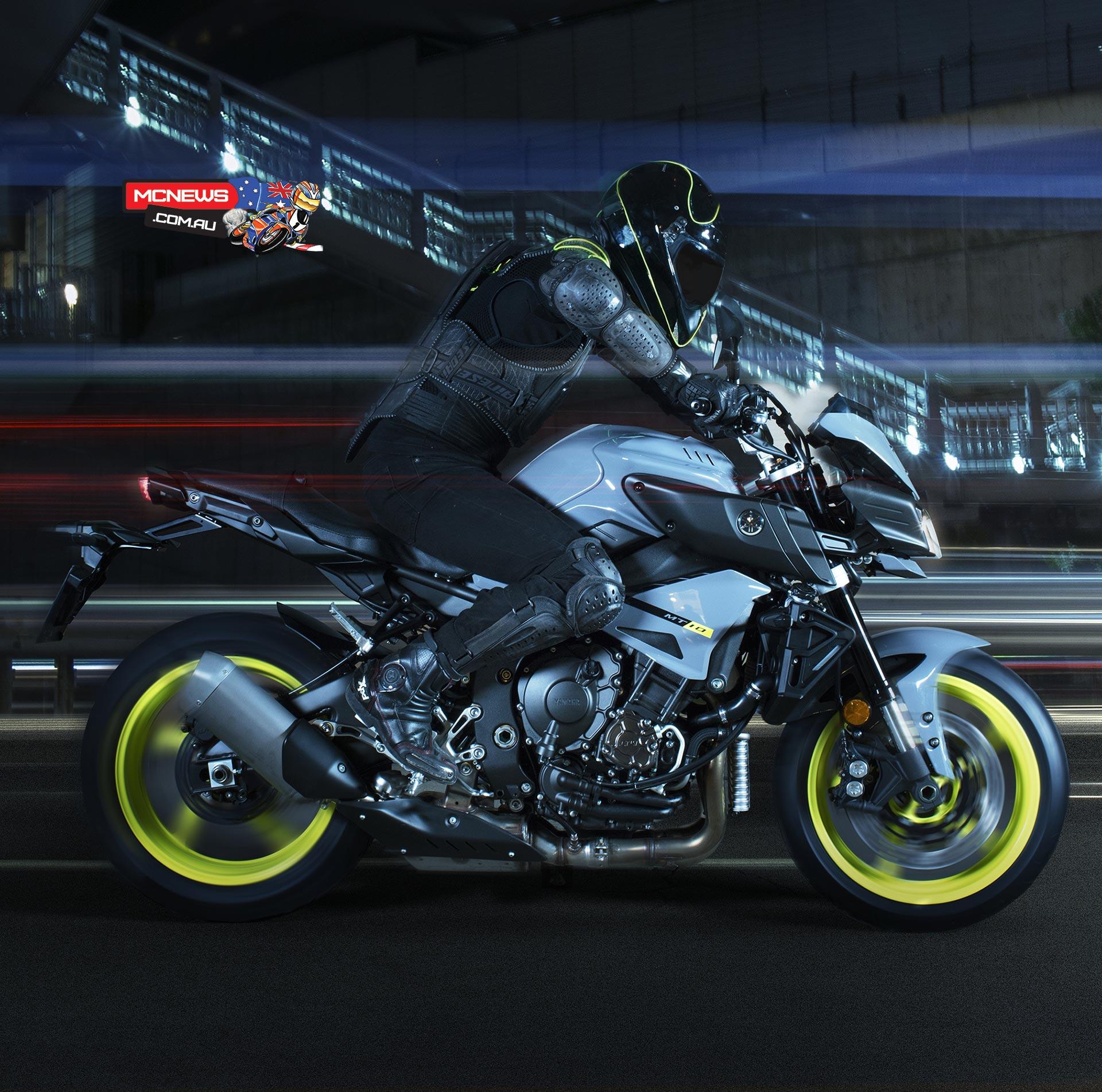 Yamaha MT 10 Breaks Cover