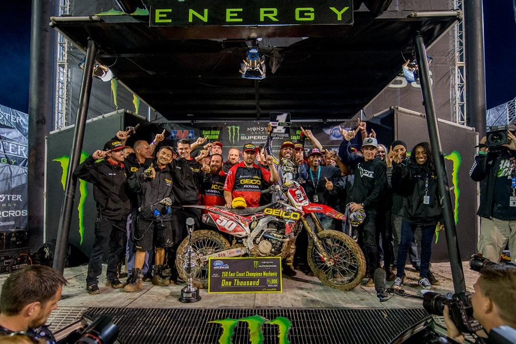 Geico Honda celebrates Stewart's Championship