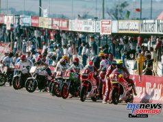 The Arai 500 starts with Andrew Johnson/Honda CB1100R taking the lead.