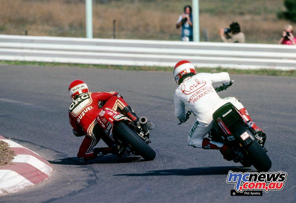 Roger Freeth / McIntosh-Suzuki 1100 overtakes Paul Feeney / Kawasaki 1100.