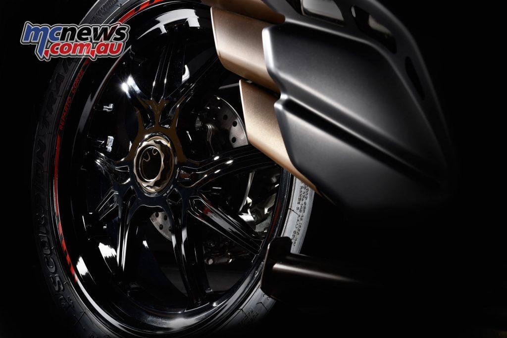 2017 MV Agusta Turismo Veloce RC - forged wheels