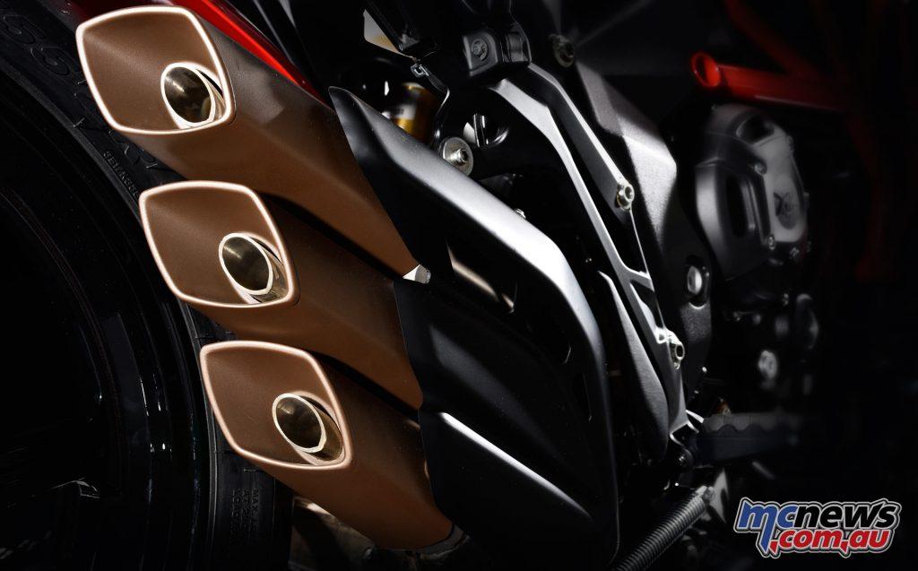 2017 MV Agusta Turismo Veloce RC - triple-muffler exhaust