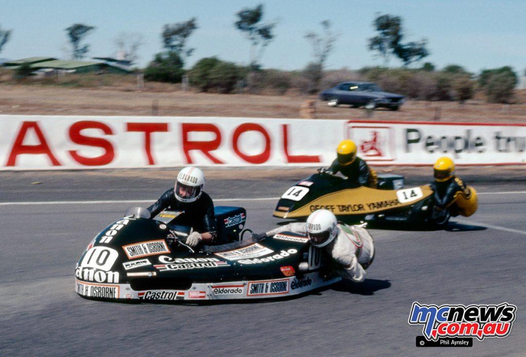 Bathurst 1983 - Barry Horner/Matt Griffin, Yamaha TZ700 lead Geoff Taylor/Barry Frazer, Yamaha TZ750
