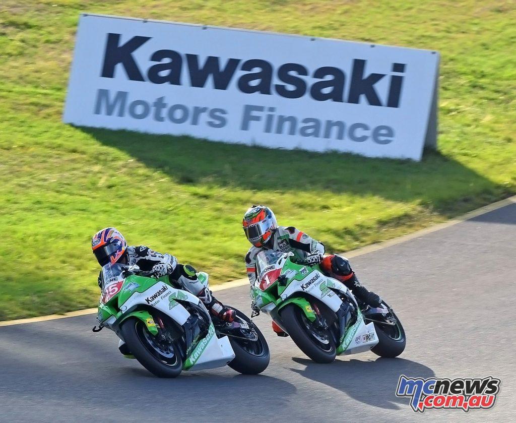 2016 Australasian Superbike Championship - Josh Brookes, Robbie Budgen