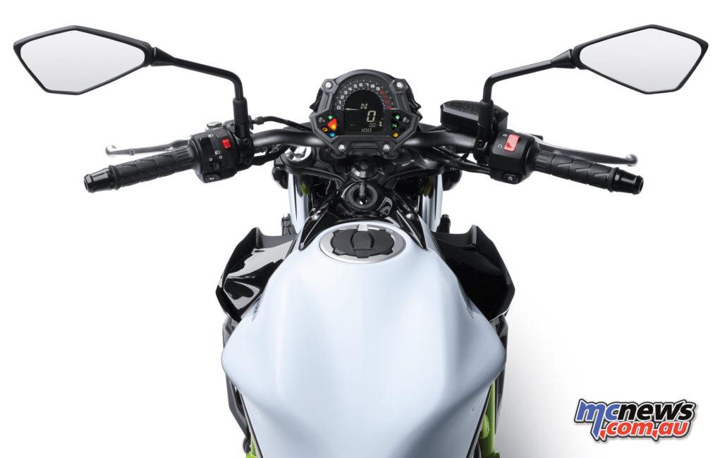2017 Kawasaki Z650 - easy reach to the 'bars