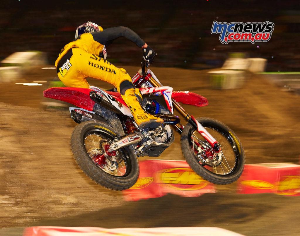 2017 AMA Supercross - Round 1 Anaheim - Hoppenworld Image - Ken Roczen