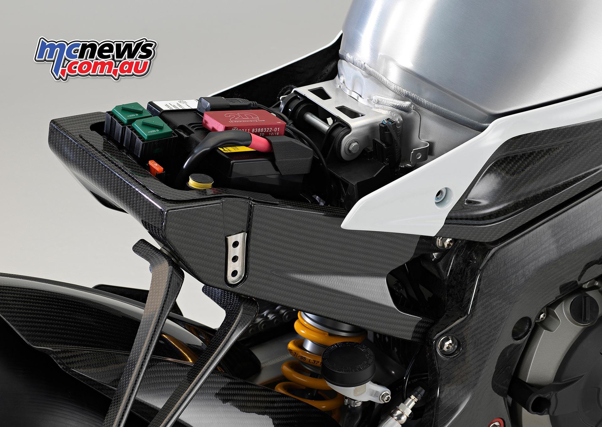 Bmw S 1000 Rr Next Level Introducing Hp4 Race Mcnews Com Au
