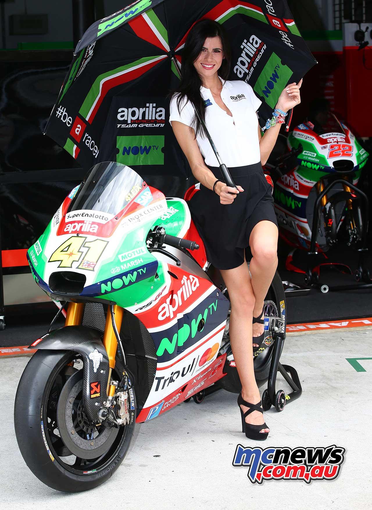 2017 Sepang MotoGP Grid Girls | MCNews.com.au