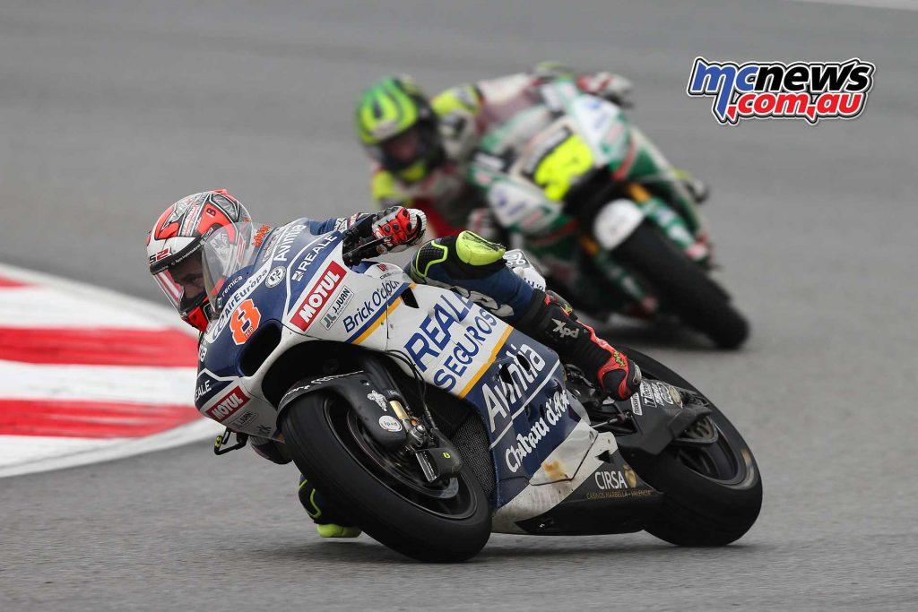 Hector Barbera leads Cal Crutchlow - Sepang MotoGP 2017