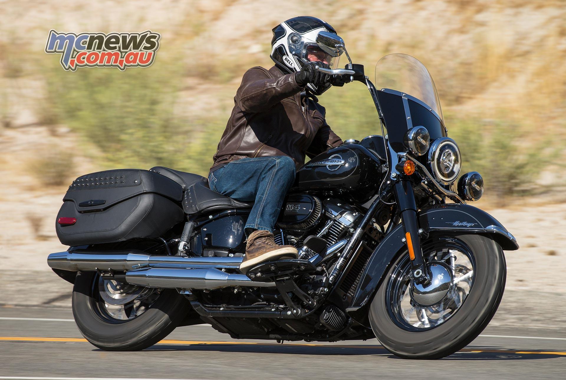 harley davidson 2018 softails motorcycle tests mcnews. Black Bedroom Furniture Sets. Home Design Ideas