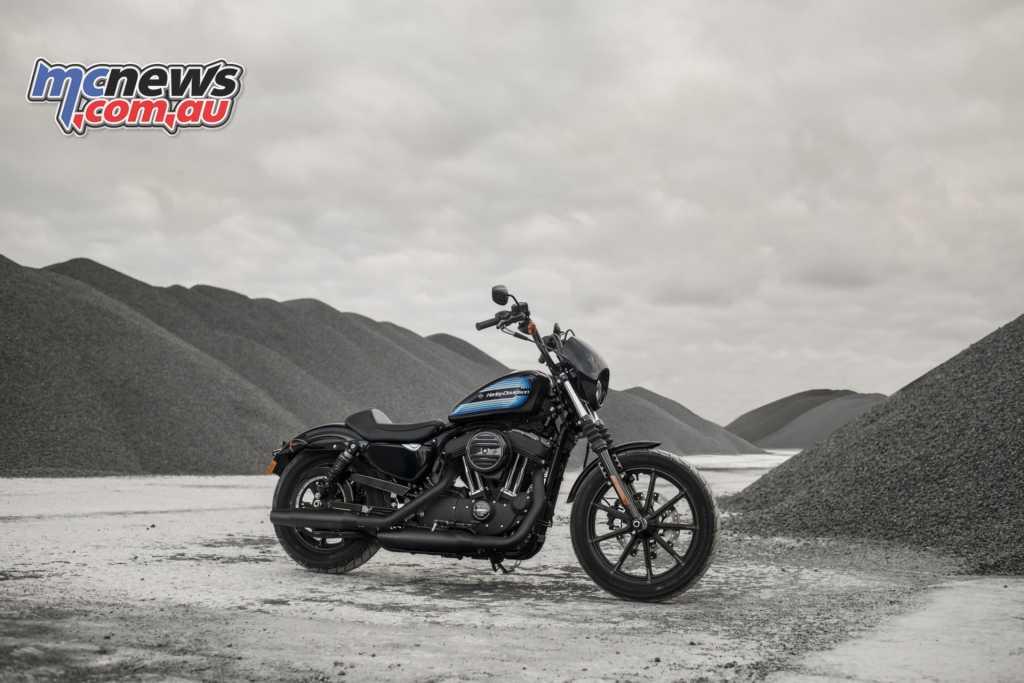 Riding 2018 Harley Davidson XL1200NS IRON
