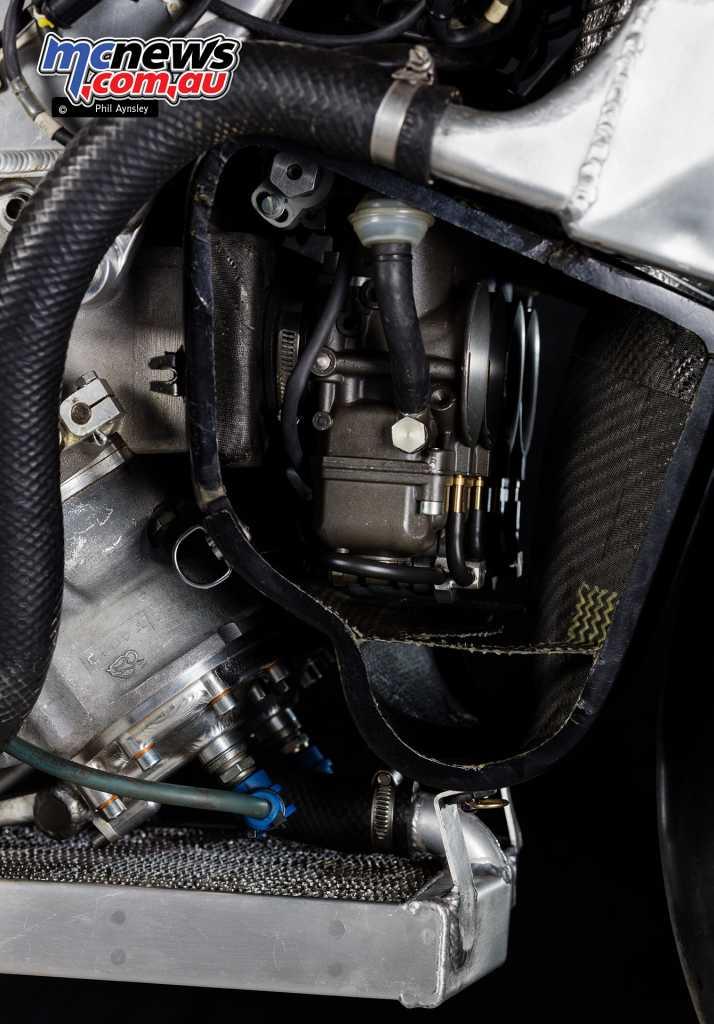 Elf V4 Racer carbies