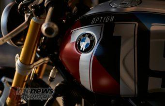 BMW RnineT Spezial Mars Red Metallic Matt Cosmic Blue Metallic