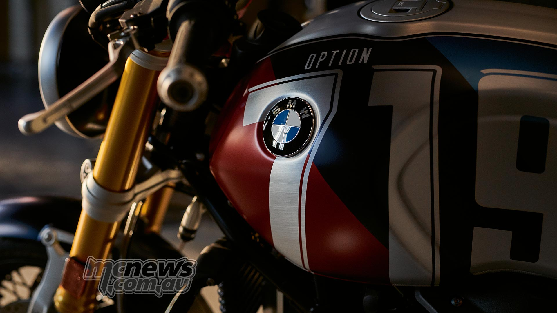 2019 Bmw R Ninet Model Line Up And Changes The Top Of Bikes Rninet Spezial Mars Red Metallic Matt Cosmic Blue