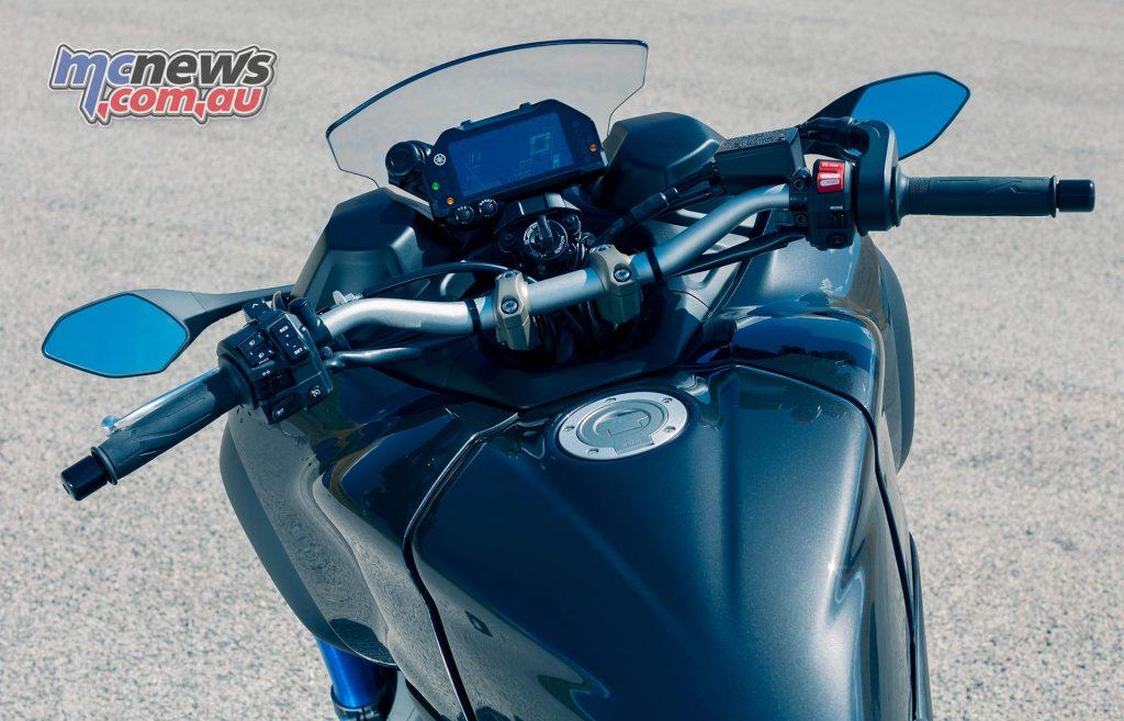 Yamaha Niken Cockpit
