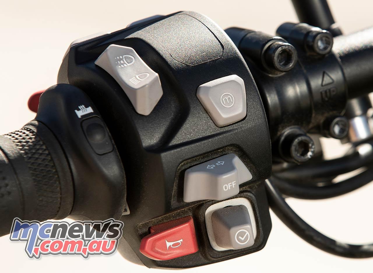 Triumph Scrambler XC Controls