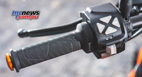 2019 KTM 790 Duke - Switchblock