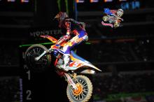 AMA-SX-2015-Rnd7-Arlington-Ryan-Dungey-3