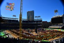 AMA-SX-2015-Rnd6-San-Diego-Practice-Stadium-Build