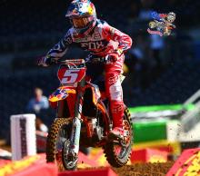 AMA-SX-2015-Rnd6-San-Diego-Ryan-Dungey-Practice