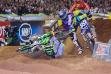 AMA-SX-2016-Atlanta-Arnaud-Tonus-Crash-2