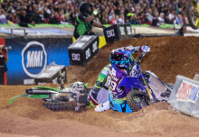 AMA-SX-2016-Atlanta-Arnaud-Tonus-Crash-3