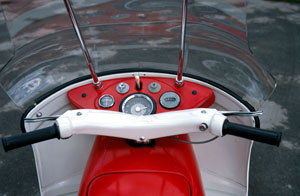 Ariel_Leader_Cockpit_300p