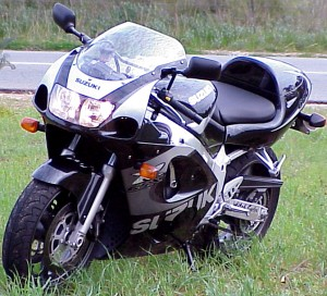 1999 2000 Suzuki Gsx R 600 Review Motorcycle News Sport And Reviews