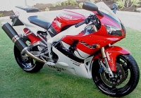 YamahaR1_99_red_b