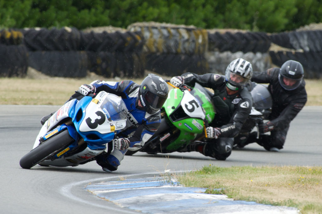 Dennis Charlett leading Nick Cole and Scott Moir at Timaru today. Photo by Andrew Bright.