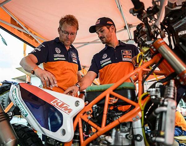 Dakar 2014 KTM Pits