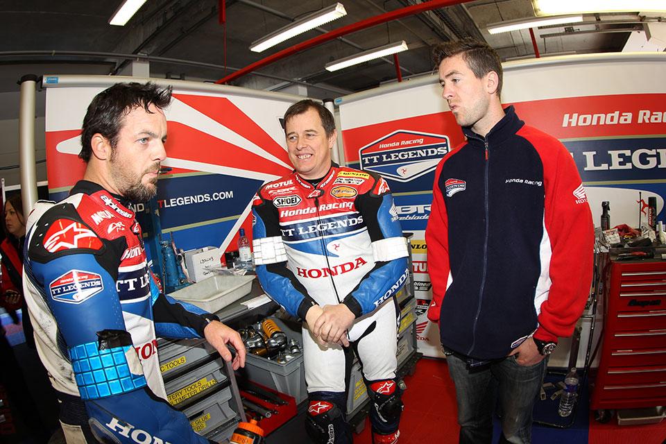 Honda_TT_Legends_Pits
