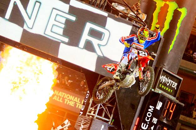 Seely takes home his first win of 2014