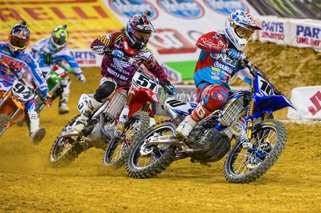 450SX Class riders, Villopoto, Roczen, Barcia, and Brayton battle at Arlington - Photo Credit: Hoppenworld