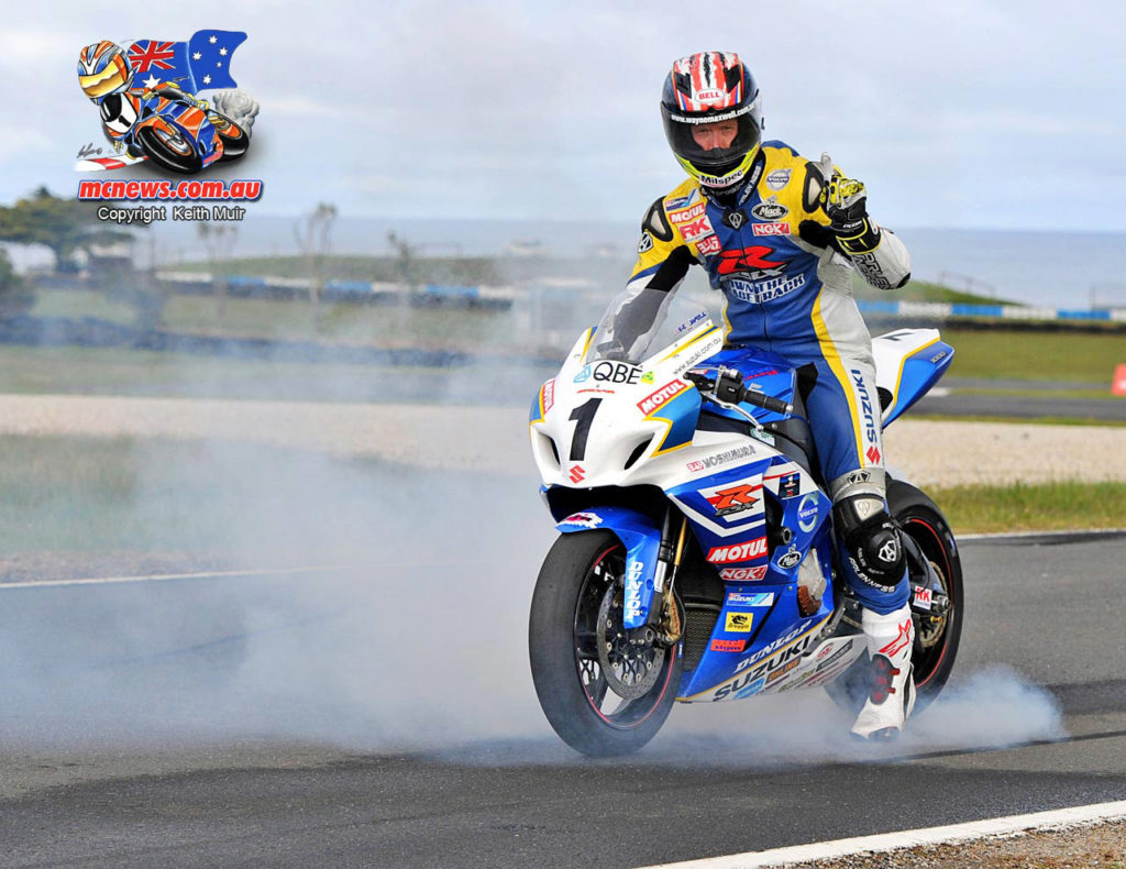 Wayne Maxwell won the 2013 Australian Superbike Championship on a GSX-R1000 Suzuki