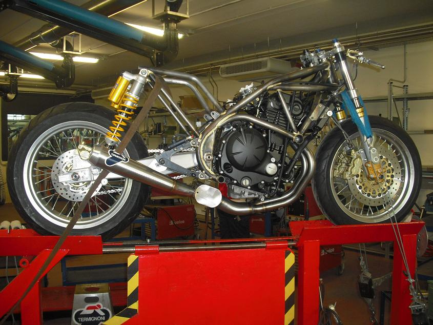 The S1 Strada, Paton's first street legal bike, is a project based on the Kawasaki 650 twin engine, but surrounded by all of Paton's experience after 55 years of racing. Built to be legal, and excel both on the road and track, it is hoped that Paton will therefore return to the TT right at the sharp end of the field.