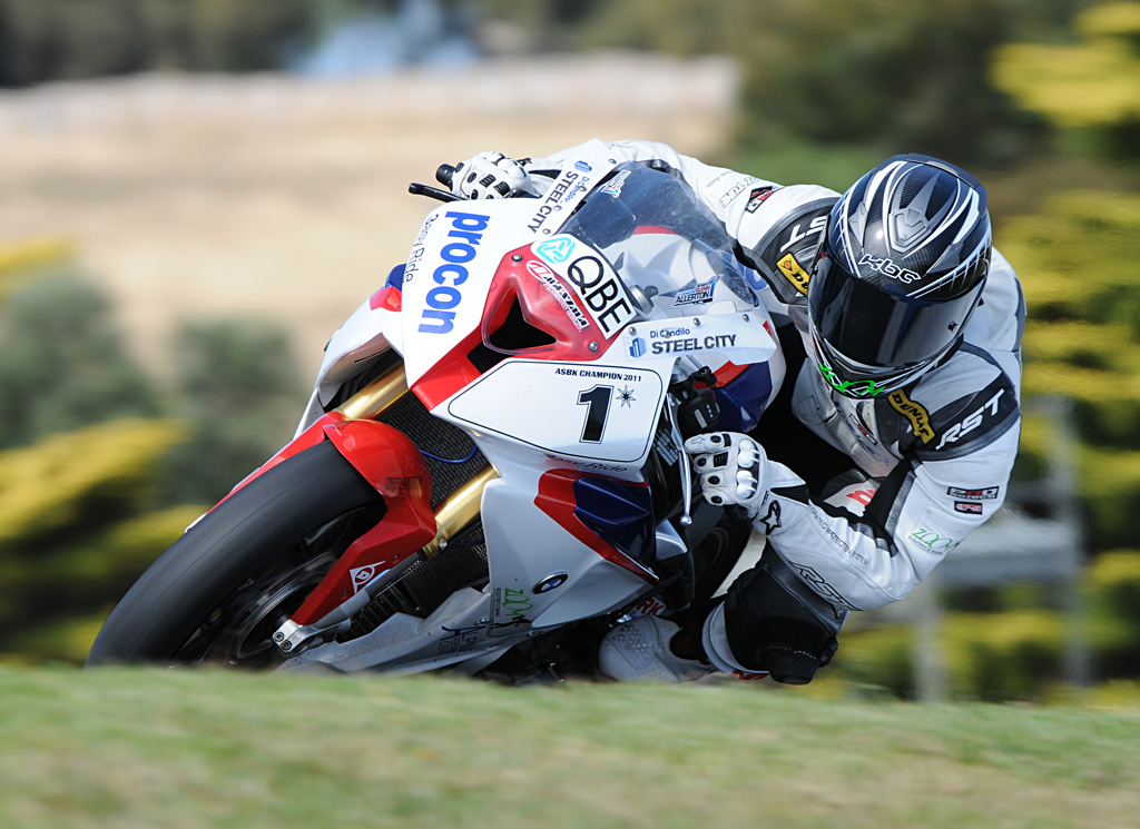 Glenn Allerton carrying the #1 plate in the 2012 ASBK season after wrapping up the series in 2011.