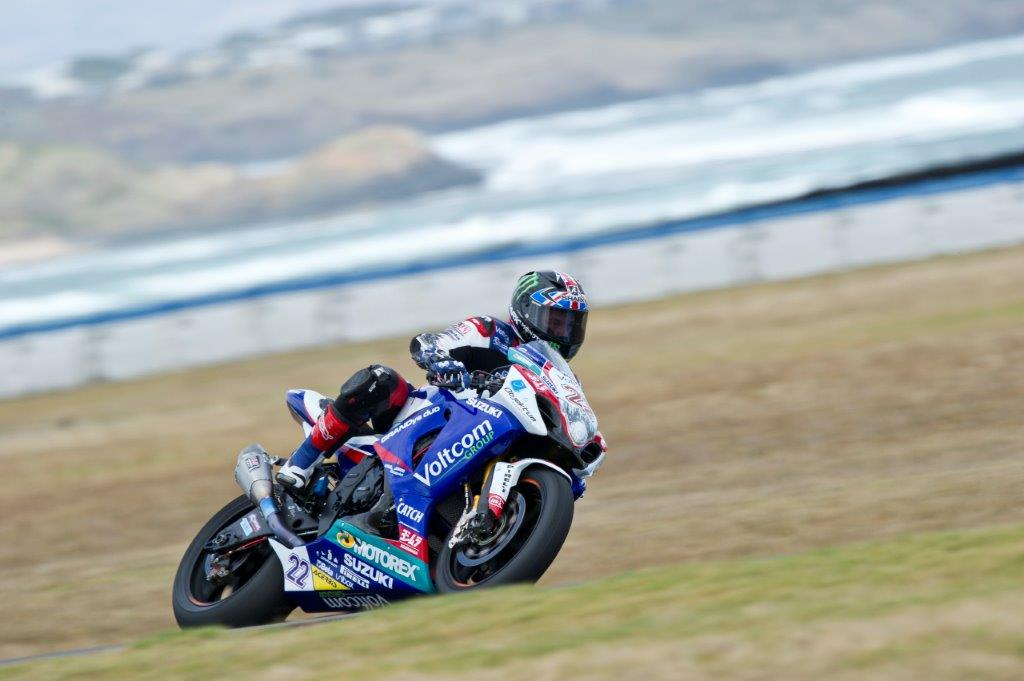 Alex Lowes Suzuki carves up Phillip Island..fastest this morning in world superbike action