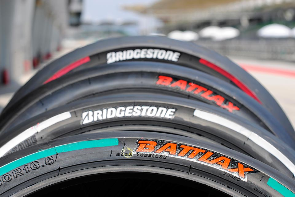2014-Bridgestone-BATTLAX-MotoGP-rear-slicks