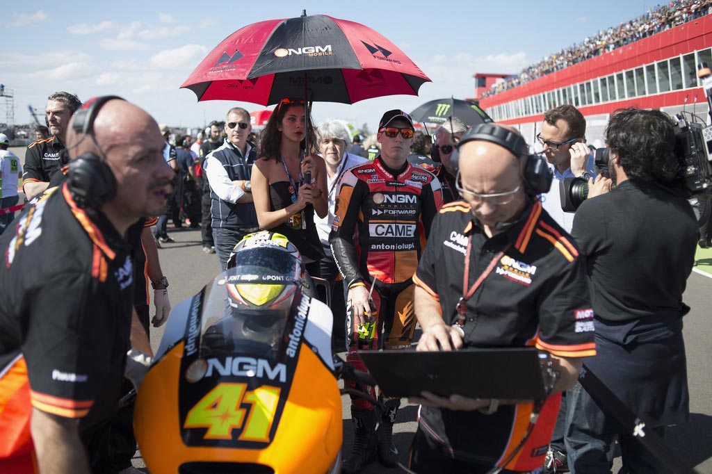 """Aleix Espargaro - 15th, +52.250 - """"I'm very disappointed with today's crash. I need to improve my feeling with the bike at the beginning of the race when the tank is full. I struggle a lot in the first laps, as the front tends to close. Today I crashed without realizing it. It's a pity because we did a great job in the practices and I had the pace to fight for the first five positions. I look forward to Jerez, where I want to get a good result."""""""