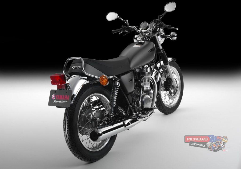 Yamaha_SR400_Studio_RHR