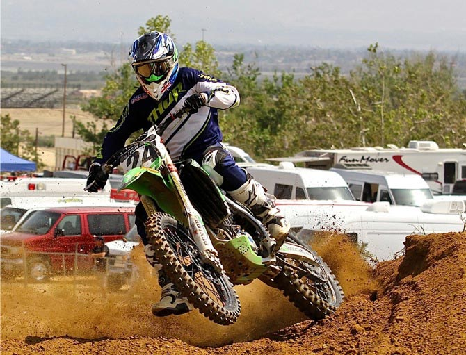 Monster Energy Kawasaki have hired Brett Metcalfe to replace Villopoto on the factory KX450F and the Aussie is fighting fit and looking to make the most of this opportunity while his team mate will be the highest paid 'top tenner' on the circuit in Jake Weimer.