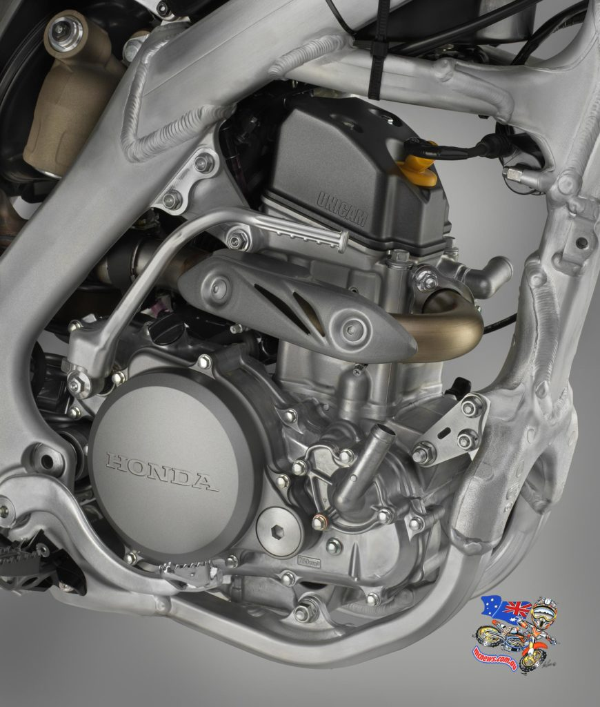 2015 Honda CRF250R - In 2014, Honda's 249cc MX power plant gained a redesigned cylinder head and inlet exhaust porting, with increased compression ratio of 13.5:1. At this point in development HRC's engineers focused on the rider's ability to easily adjust the engine to suit conditions and riding style, plus exhaust efficiency and throttle feel.