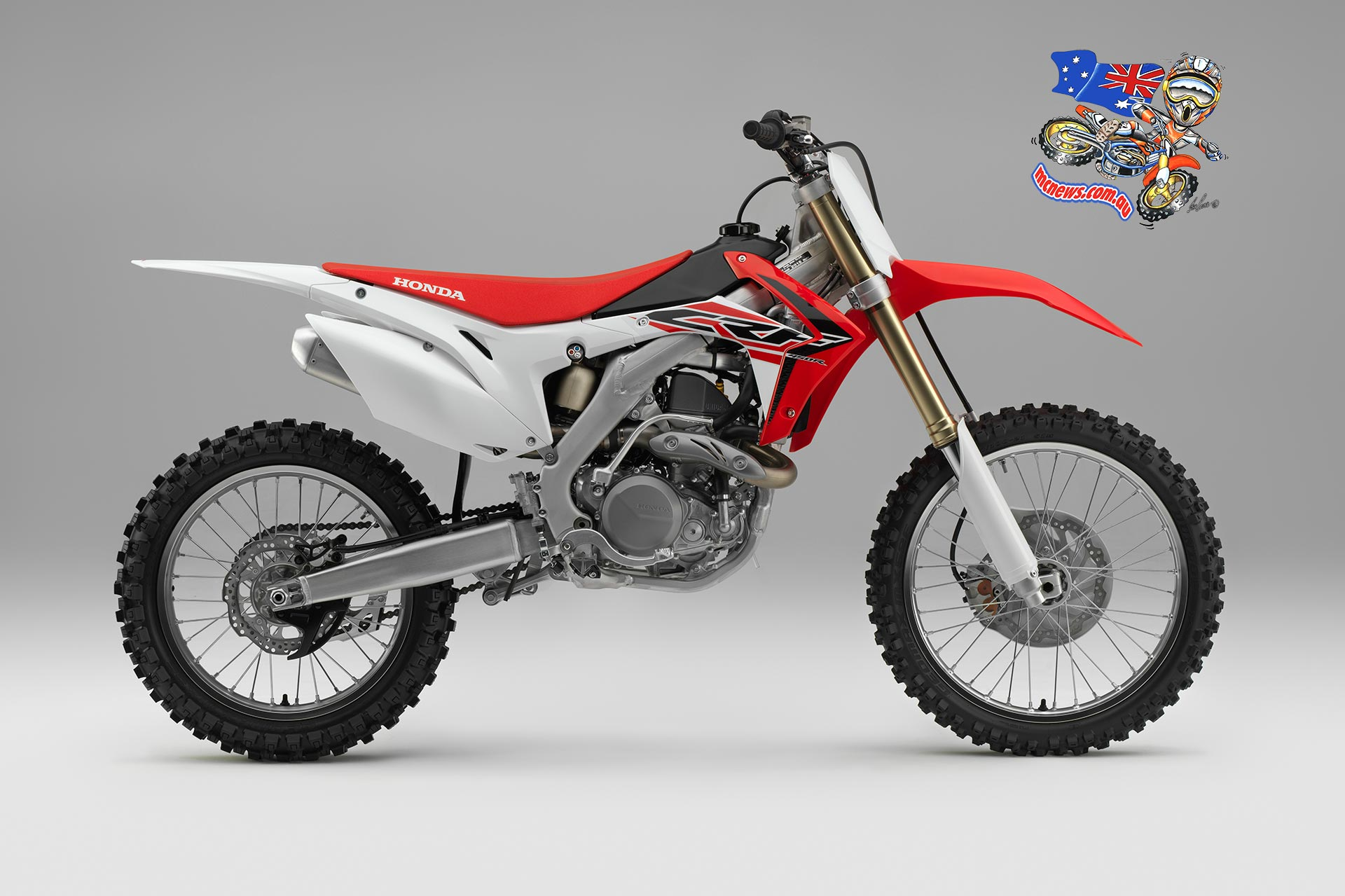 The 2014 model featured an array of detail changes to both suspension and engine performance, driven by race experience. For the 2015 season Honda's development engineers have chosen to make small changes that make a big difference, and their new CRF450R – out of the crate – is about as close as it's possible to get to the feel of a Factory MX1 machine.